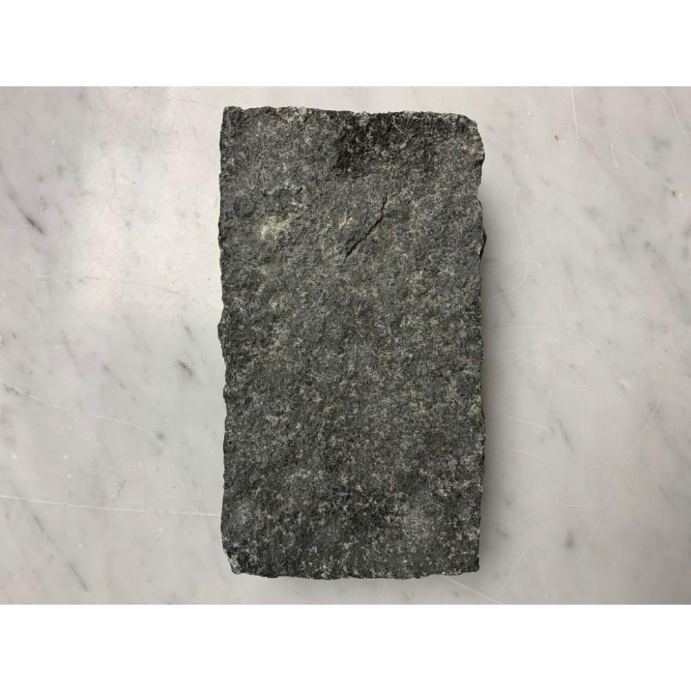 Grey Mist 4X8X2 Tumbled Hand Cut Sides Cobblestone
